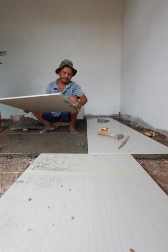 Pekerjaan Pemasangan Granit lantai