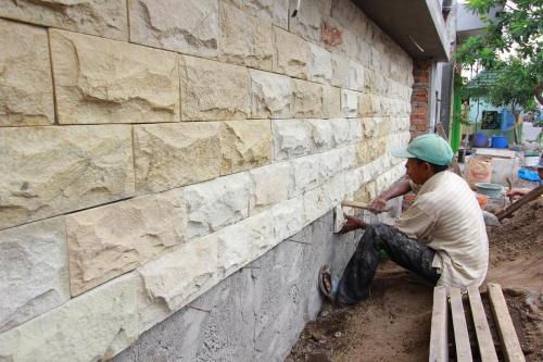Pemasangan Batu Alam